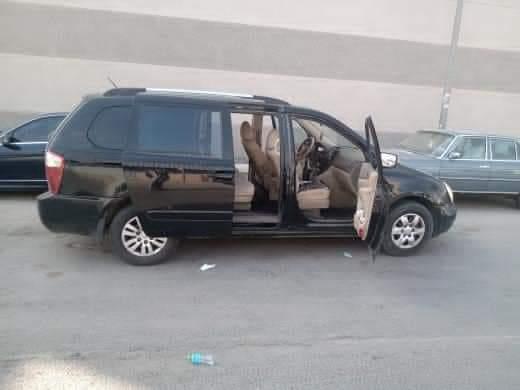 كيا كرنفال اتومتك موديل 2011 المكان الرياض ممتلئ